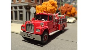 Mack R-600 Fire Pumper